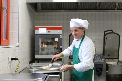 Stellenanzeige Koch Köchin Kita Brüsseler Straße